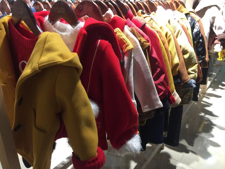 品牌童装折扣 新店开业通道设计