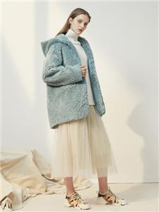 菀草壹蓝色羊羔绒外套