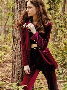 妍帛女装妍帛女装酒红色绒面套装