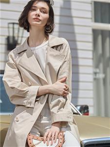 普普风女装米色风衣