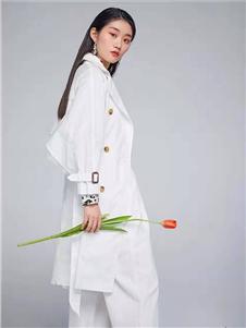 Remember白色外套