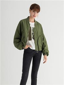 纳纹军绿色外套