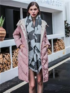 咔魅蘭秋冬新款淺粉色羽絨服