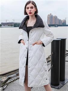 咔魅兰秋冬新款白色羽绒服