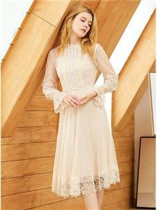 朵以女装朵以女装白色连衣裙