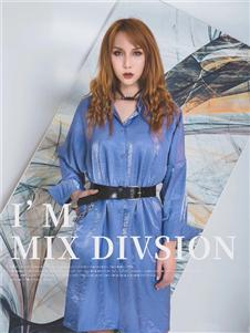 弗拉蓝色连衣裙