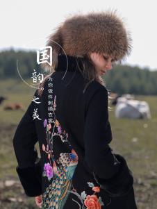 袯荟2019冬女装刺绣外套