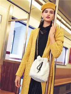 布卡慕尚女装新款针织衫