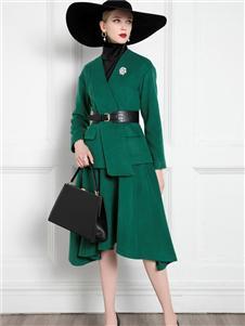 希区瑞普女装绿色套装