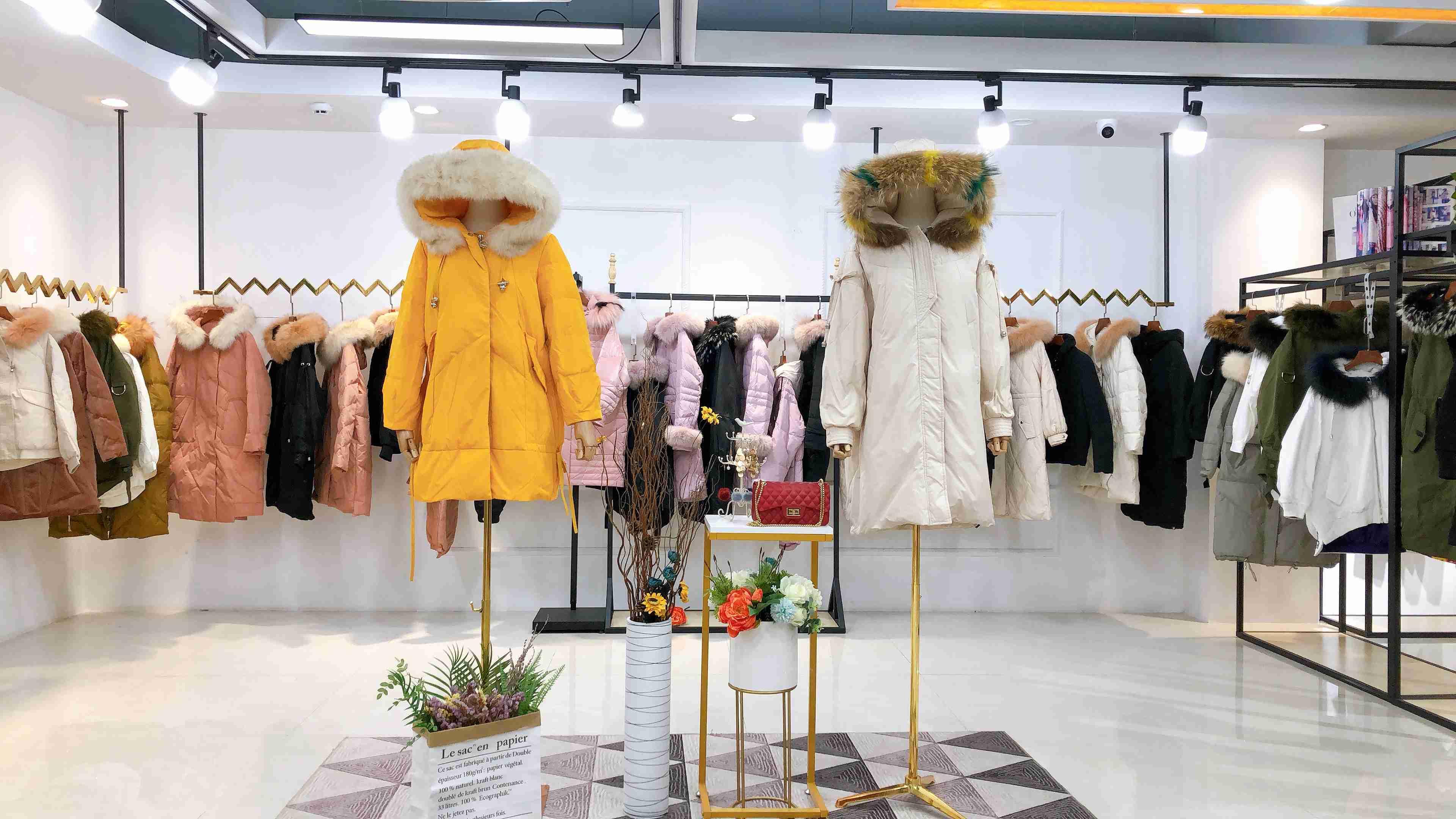 時尚女裝新款品牌可絲迪羽絨服19冬裝品牌折扣一手庫存批發