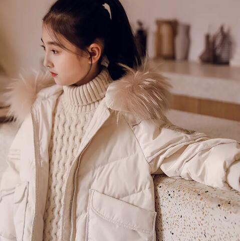时尚大毛领羽绒服,冬天看得见的