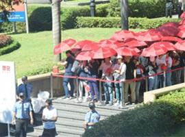 优衣库越南首店开业 吸引超过2000消费者
