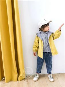 维尼叮当童装春款黄色连帽外套