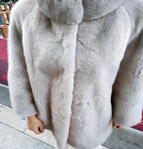 海寧服裝批發分銷19年新款水貂毛大衣一件可售免費掛樣