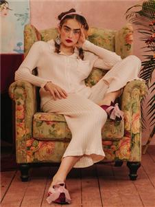 娜摩米内衣白色针织居家服