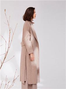 树生活米色大衣