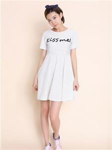 中国娃娃白色条纹连衣裙