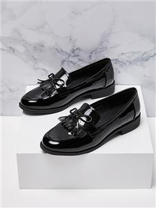 西遇女鞋黑色英伦风小皮鞋