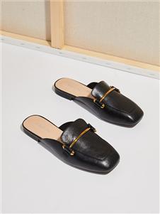 西遇女鞋时尚黑色方头拖鞋