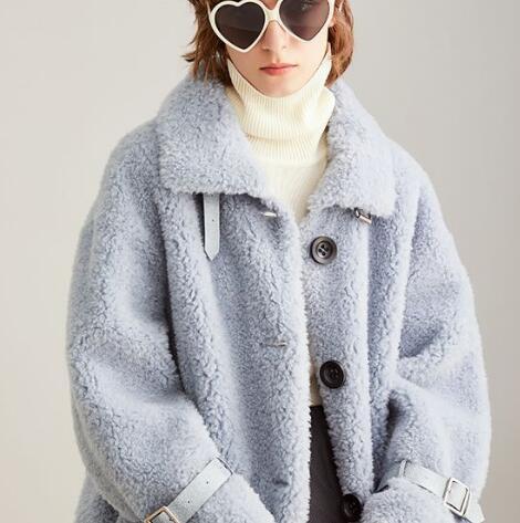 蓝色倾情LESIES:你的冬天还缺一件「毛毛外套」