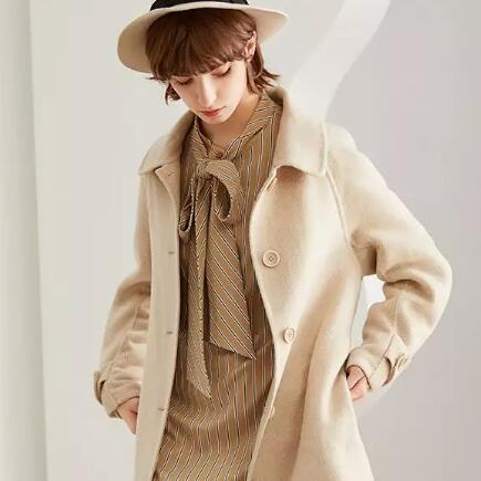 蓝色倾情LESIES:今年冬天,选这几件外套就够了!