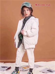 小嗨皮童装白色羽绒衣