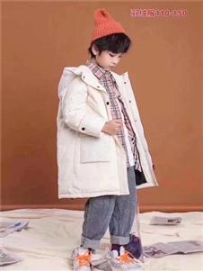 小嗨皮童装白色中长款羽绒衣