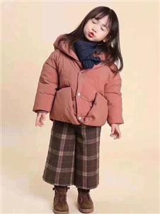 小嗨皮童装卡其色保暖加厚羽绒服