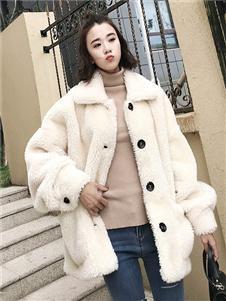 细马女装秋冬新款白色毛绒外套