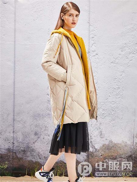 YOSUM2019新款米色羽绒衣