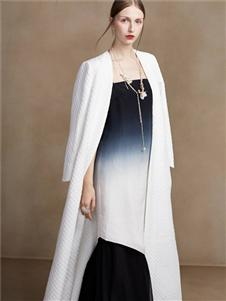 盖娅传说女装2020春夏装白色长款外套
