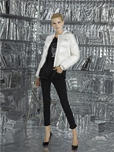 维斯提诺2019白色短款外套