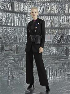 維斯提諾2019黑色套裝