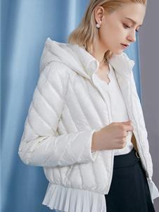 红凯贝尔2019秋冬款白色外套