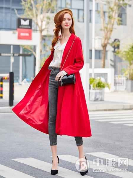 贝珞茵2020新款红色风衣