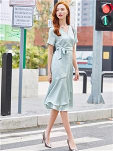 贝珞茵2020新款优雅连衣裙