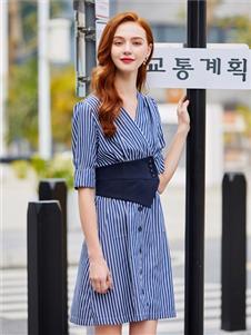 贝珞茵2020新款条纹裙子