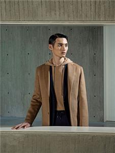 卡尔丹顿2019秋冬装骆色大衣