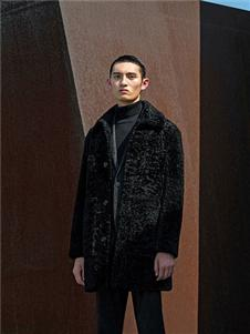 卡尔丹顿2019秋冬装黑色毛绒外套