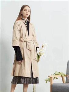 毕厶迦2019秋冬装风衣