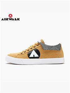 airwalk卡其色板鞋