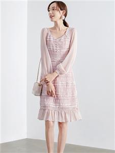 夺宝奇兵春新款粉色裙子