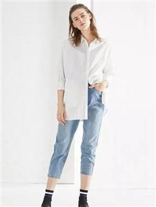 谷可白色衬衫