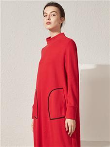 約布紅色連衣裙
