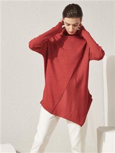 约布红色针织衫