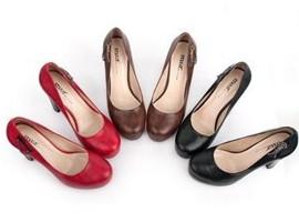 """两只女鞋股爆发全靠年底""""傍网红""""?"""