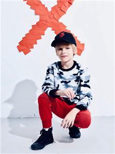 maya's迷彩卫衣