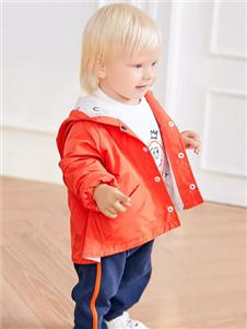 卡迪熊橘色外套