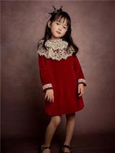 玲珑红色连衣裙