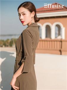 三弗2020春季新款修身连衣裙